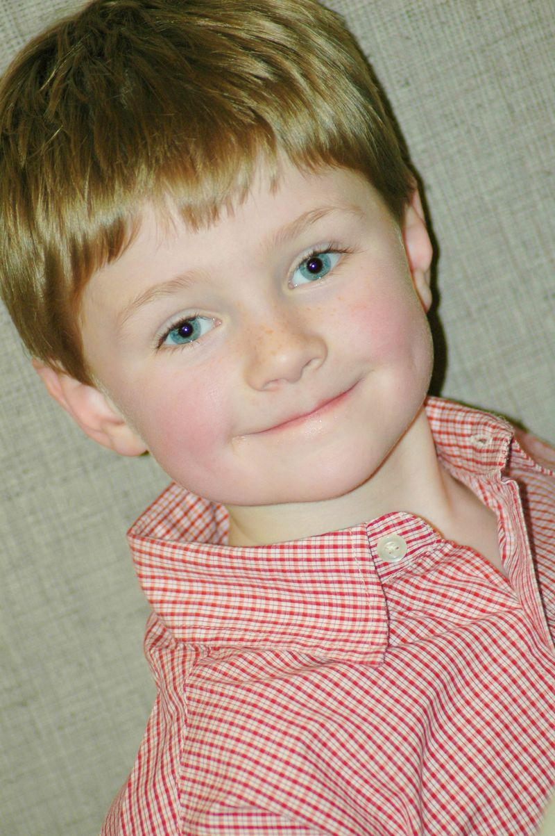 Harry christmas sharp eye pop color